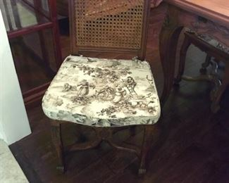 """Detail chairs  seat 17""""Hx16""""D"""