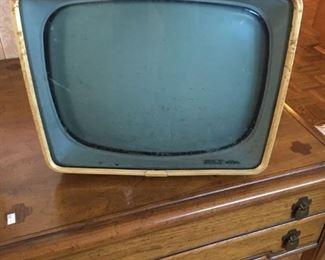 VINTAGE GE TV