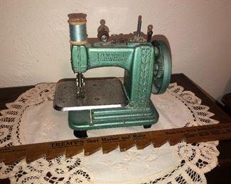 Vintage Sew-Rite  Childs Sewing Machine