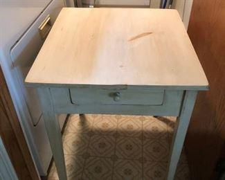 Modern farmhouse endtable