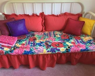 Sweet Day Bed with bright floral Print Coverlet