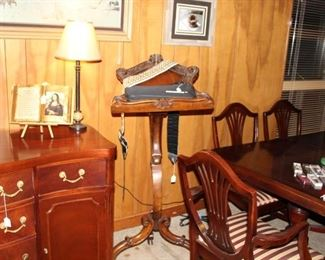 furniture Duncan Phyfe table chairs