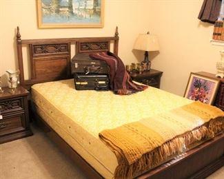 furniture wooded bedroom set