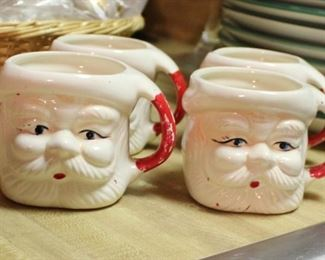 decor santa mugs