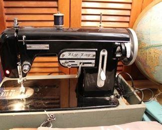 zig zag dressmaker sewing machine
