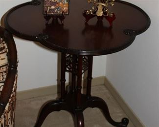 furniture scallop side table
