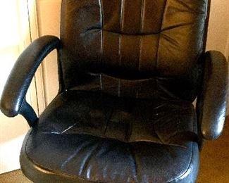 Desk arm chair
