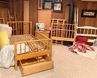 Twin Bunk bed Set w/ 2 underneath roll storage bins & side rails Twin white poster bed Twin mattress pads