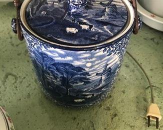 English pottery circa 1900