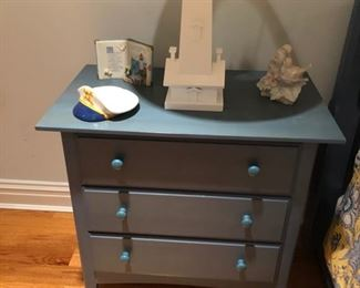 end table by Tomasville blue great for the shore