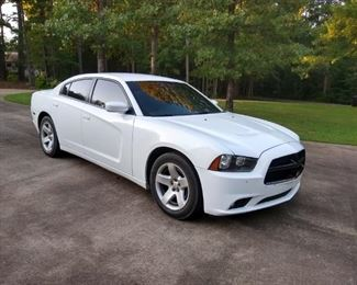 2014 Dodge Charger Police Edition 165,000 reduced for this sale from $8450 to $6900 Firm