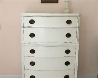 Huntly Furniture Company five drawer white chest, beautiful!