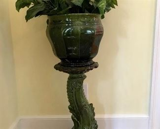 Majolica? stand and plant pot(pot does have damage)