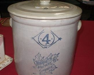 4 gal. Monmouth pottery co. crock w/lid