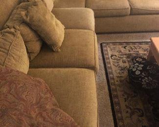 William Alan Sectional Sofa