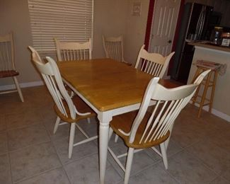 Kitchen dining set.  Maple top table. 6 Chairs