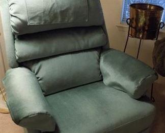 LaZBoy swivel rocker recliner