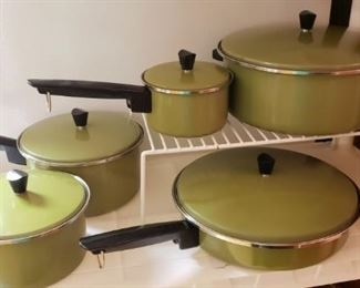 Mid Century Sears Heat Core cooking set, vintage cookware set in Avocado