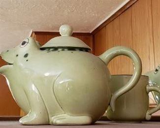 Frog, Teapot, cups