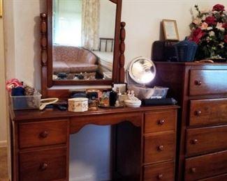 Dresser Vanity with Mirror