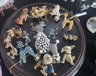 Ladies Vintage Jewelry. Pins