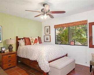 Queen bed for sale.
