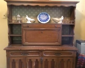 . . . what a beautiful hutch -- perfect for displaying your favorite pieces or collections!