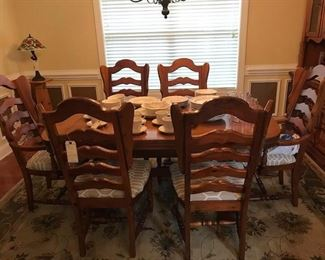 Estate Sale Table  Chairs