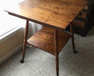 Clawfoot oak center table