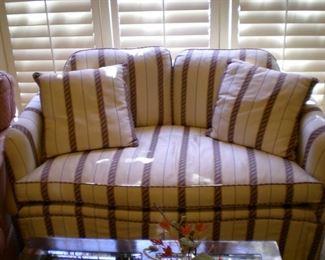 Michael Thomas demi sofa