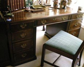 Gorgeous Lane knee hole desk