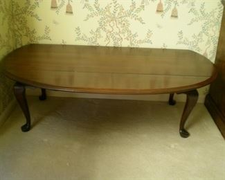 Ethan Allen oval dropleaf coffee table