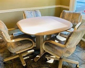 5 Piece Dinette, Table with added leaf
