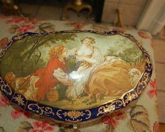 Large porcelain box