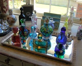 Murano glass and small example of perfume bottles