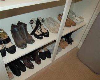 Name brand ladies shoes