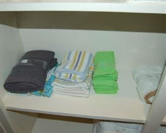 Various sets of towels for kitchen and bathroom