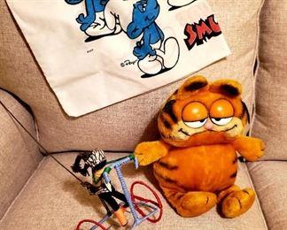 Garfield and Smurfs pillowcase