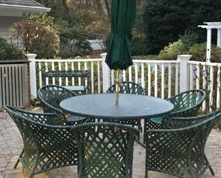 Patio Round Table with Umbrella, Stand and 6 Chairs in Green