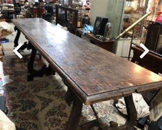 Spanish refractory table 1700