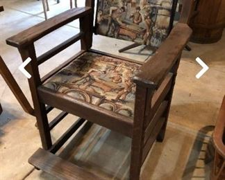 Saint of arts and crafts chairs with footrest