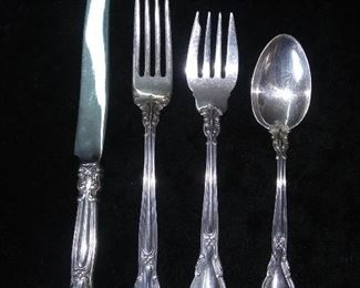 Chantilly sterling by Gorham (9 place settings)