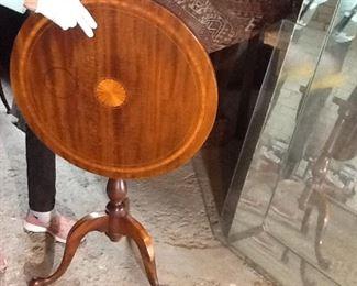 Antique Inlay Tilt Table