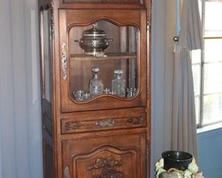 Assorted Vintage Furnishings and Decorative Items