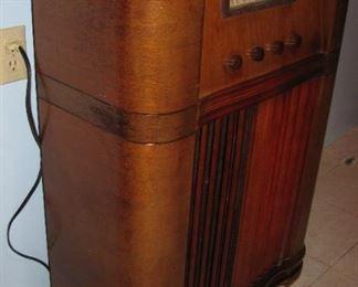 1930's  Coronado Console Radio