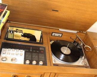 Vintage Stereo-Record Player