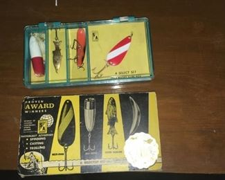 collectible 4 piece fishing lures
