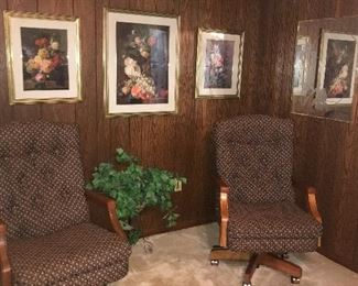 pair of swivel chairs, with lever for heighth comfort