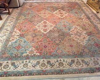 beautiful rug - great colors