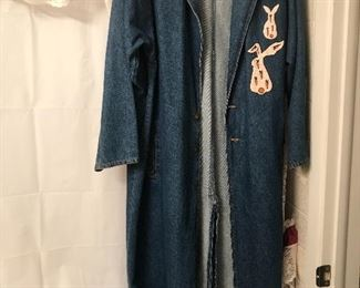 vintage sunbelt duster coat with rabbits on it